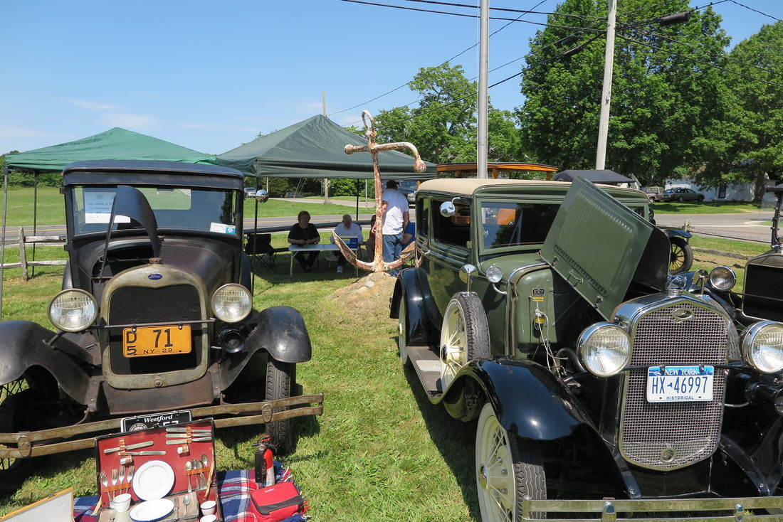 Fifth Annual Car Show - Show me antique cars